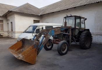 Трактор-погрузчик ЮМЗ6